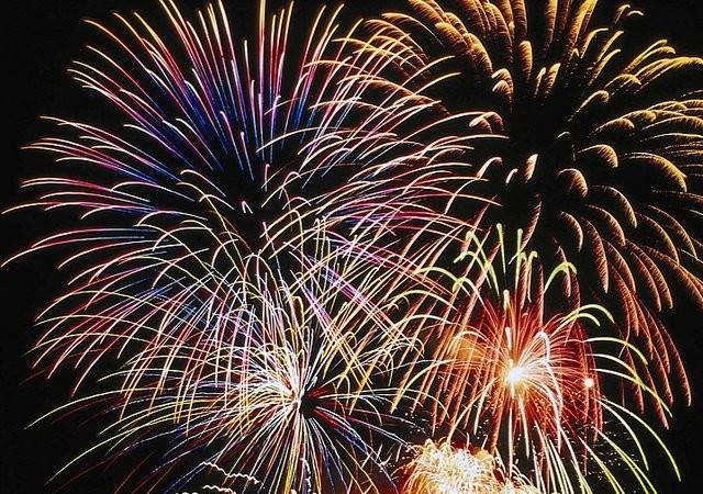 Pokaz sztucznych ogni na powitanie 2019 roku