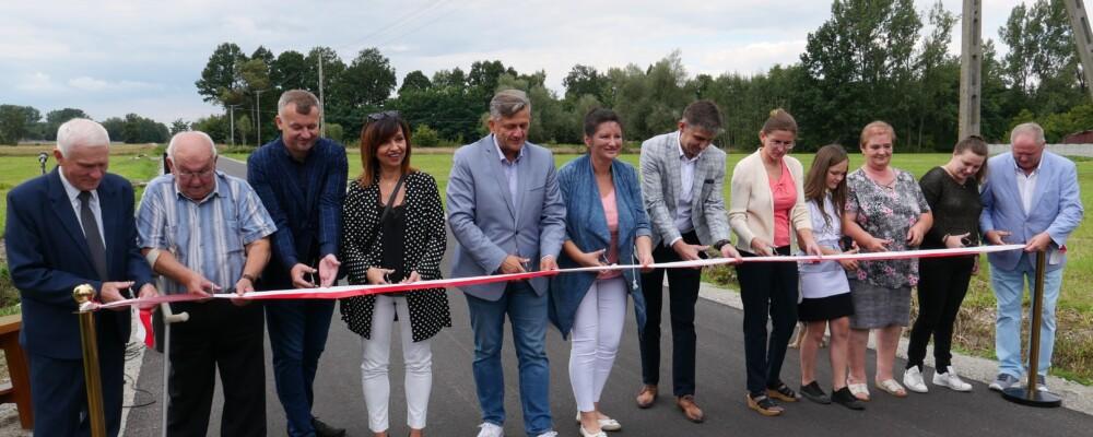 Mieszkańcy Feliksowa i Zagórzyc cieszą się z nowych dróg